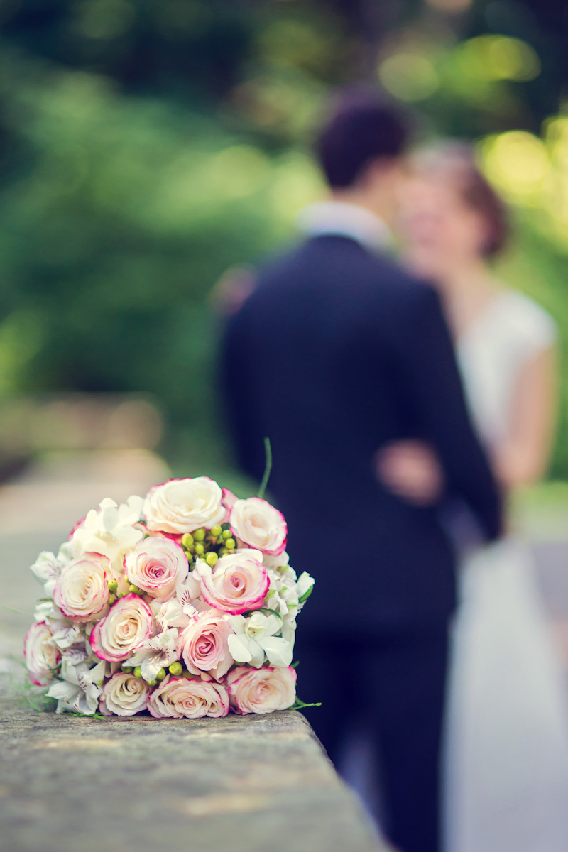 EOE_cuyahoga_county_wedding_pink_bouquet