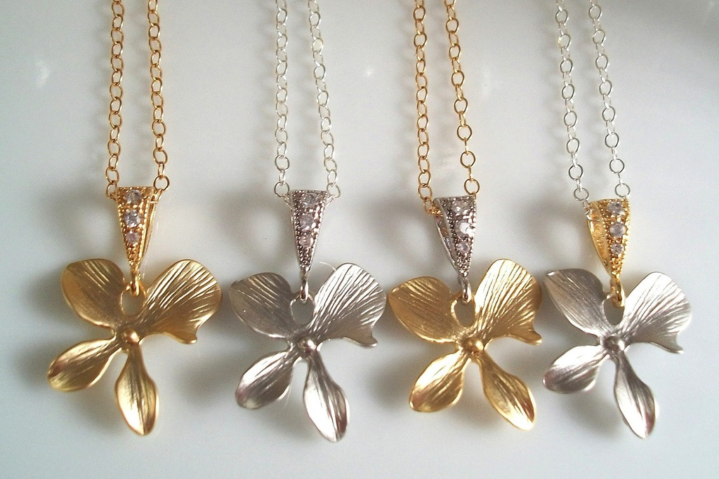 Bridesmaid-gift-ideas-silver-gold-necklaces.full
