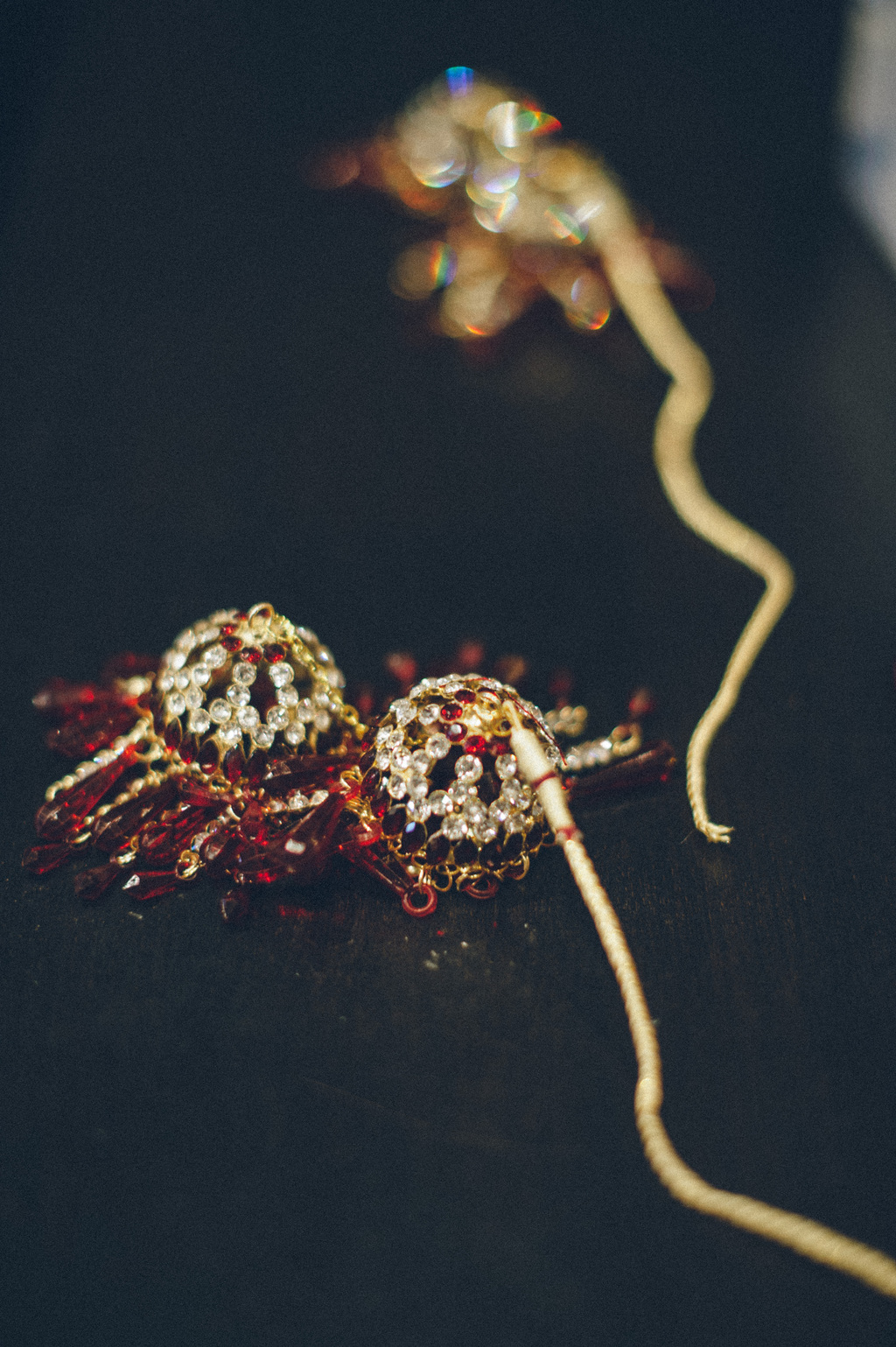 Gold-and-ruby-bridal-jewelry-for-indian-wedding.full