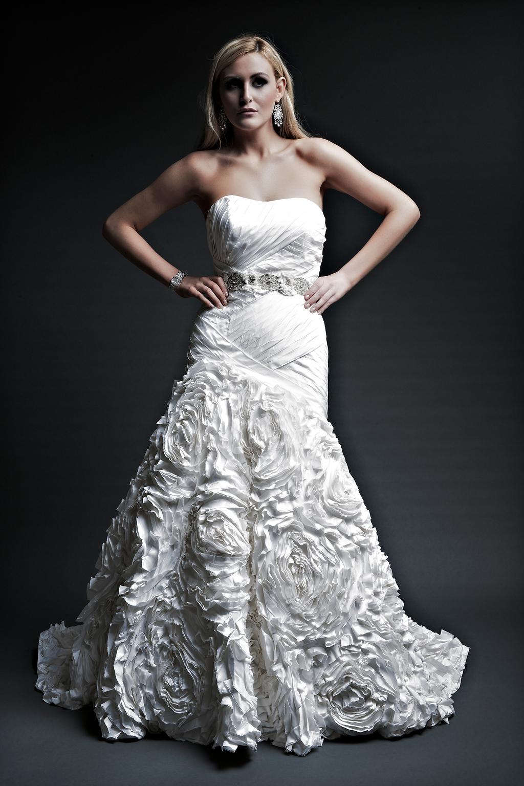 2013-wedding-dresses-designer-angel-rivera-victoria-collection-dj_front.full