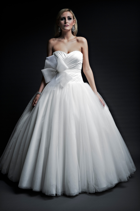 2013 wedding dresses designer Angel Rivera Victoria Collection eliana front