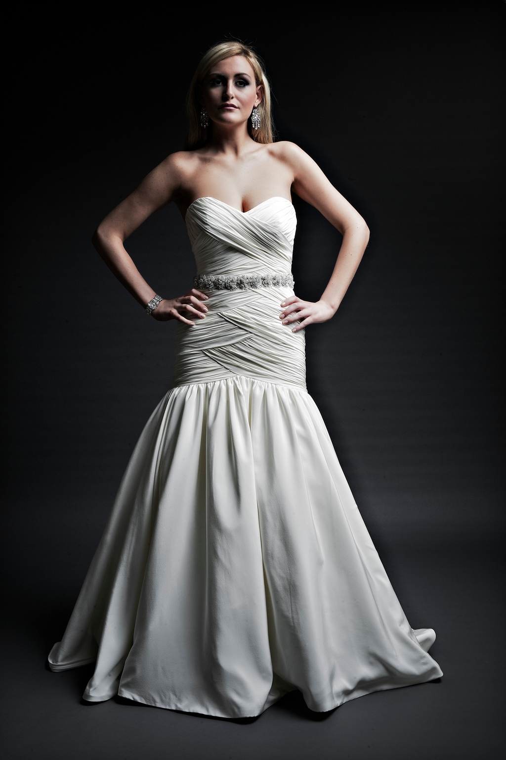 2013-wedding-dresses-designer-angel-rivera-victoria-collection-maya_front.full