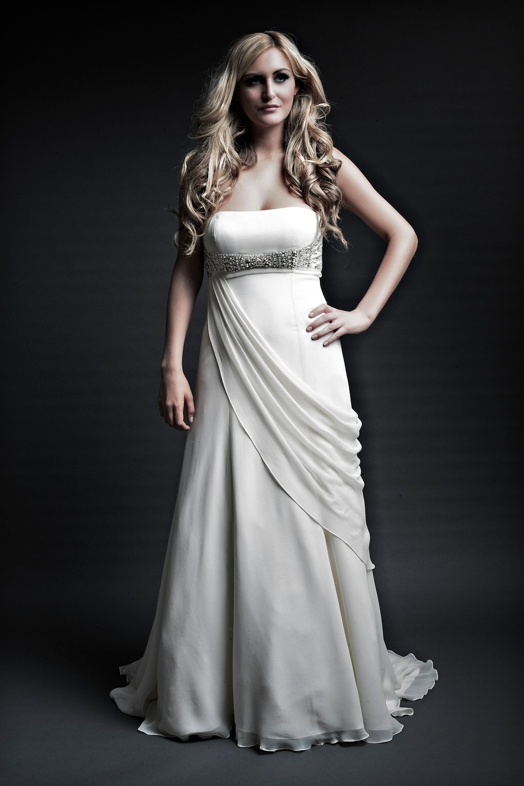 2013-wedding-dresses-designer-angel-rivera-victoria-collection-melissa_front.full