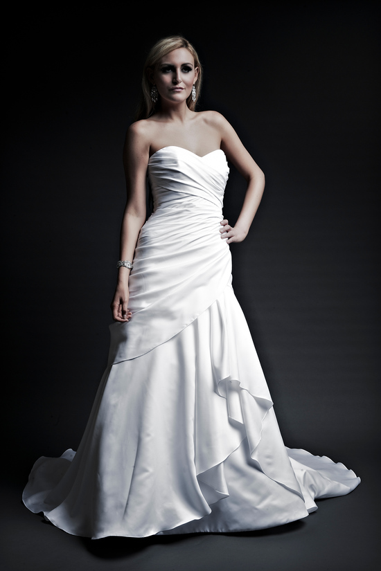 2013 wedding dresses designer Angel Rivera Victoria Collection michelle front