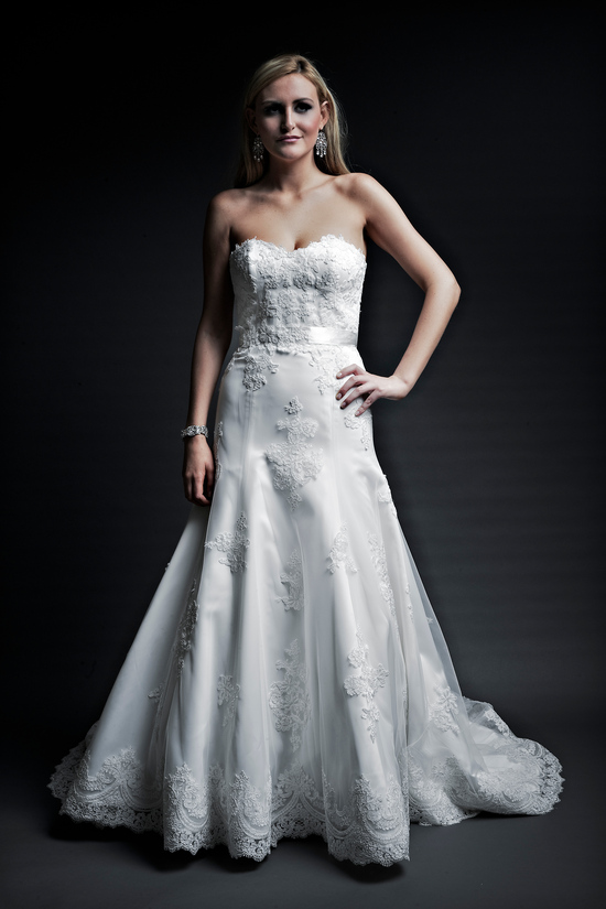 2013 wedding dresses designer Angel Rivera Victoria Collection miriam front