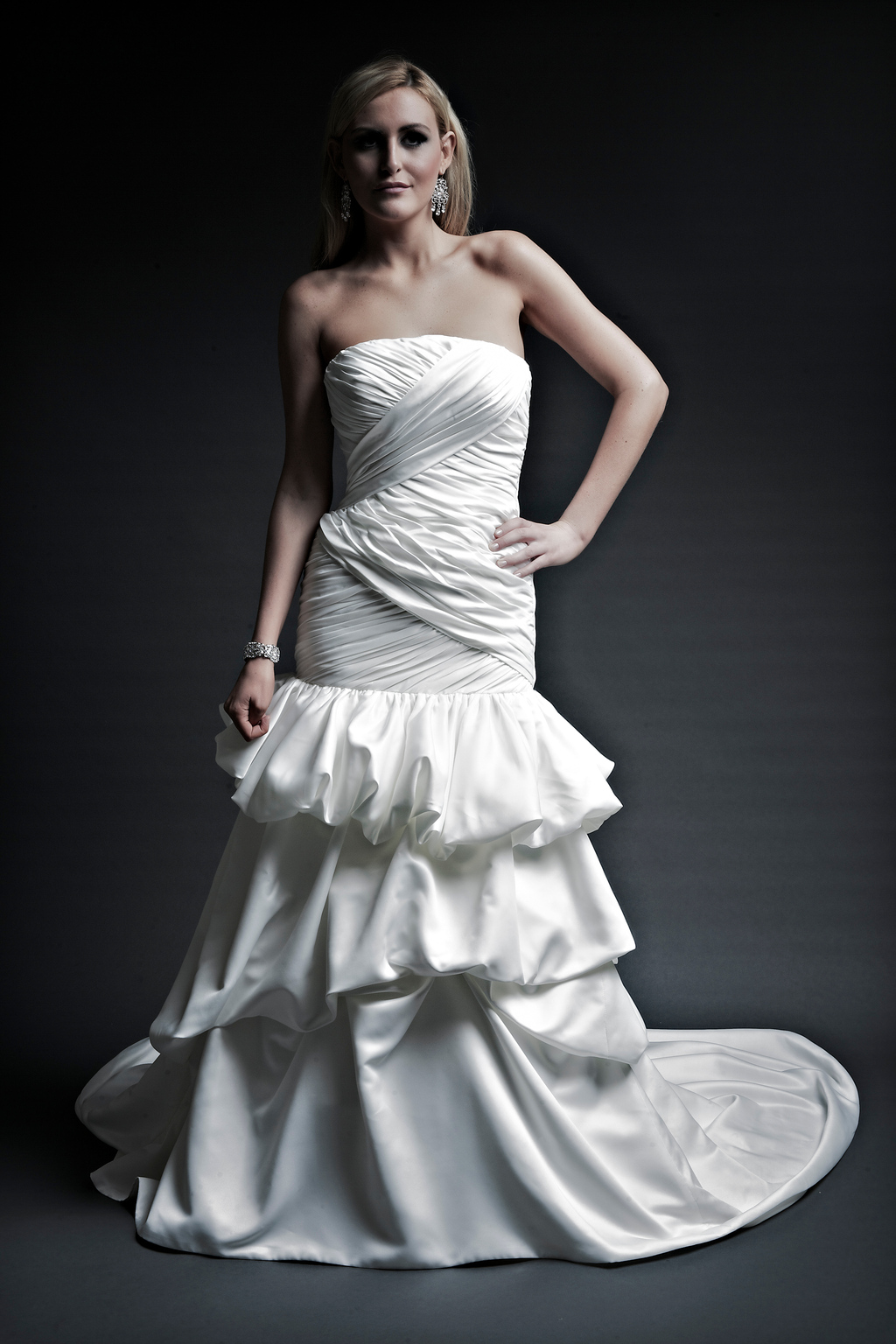 2013-wedding-dresses-designer-angel-rivera-victoria-collection-pam_front.full