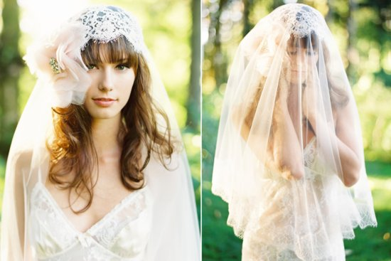 Lace and tulle wedding veil with blush pink flower