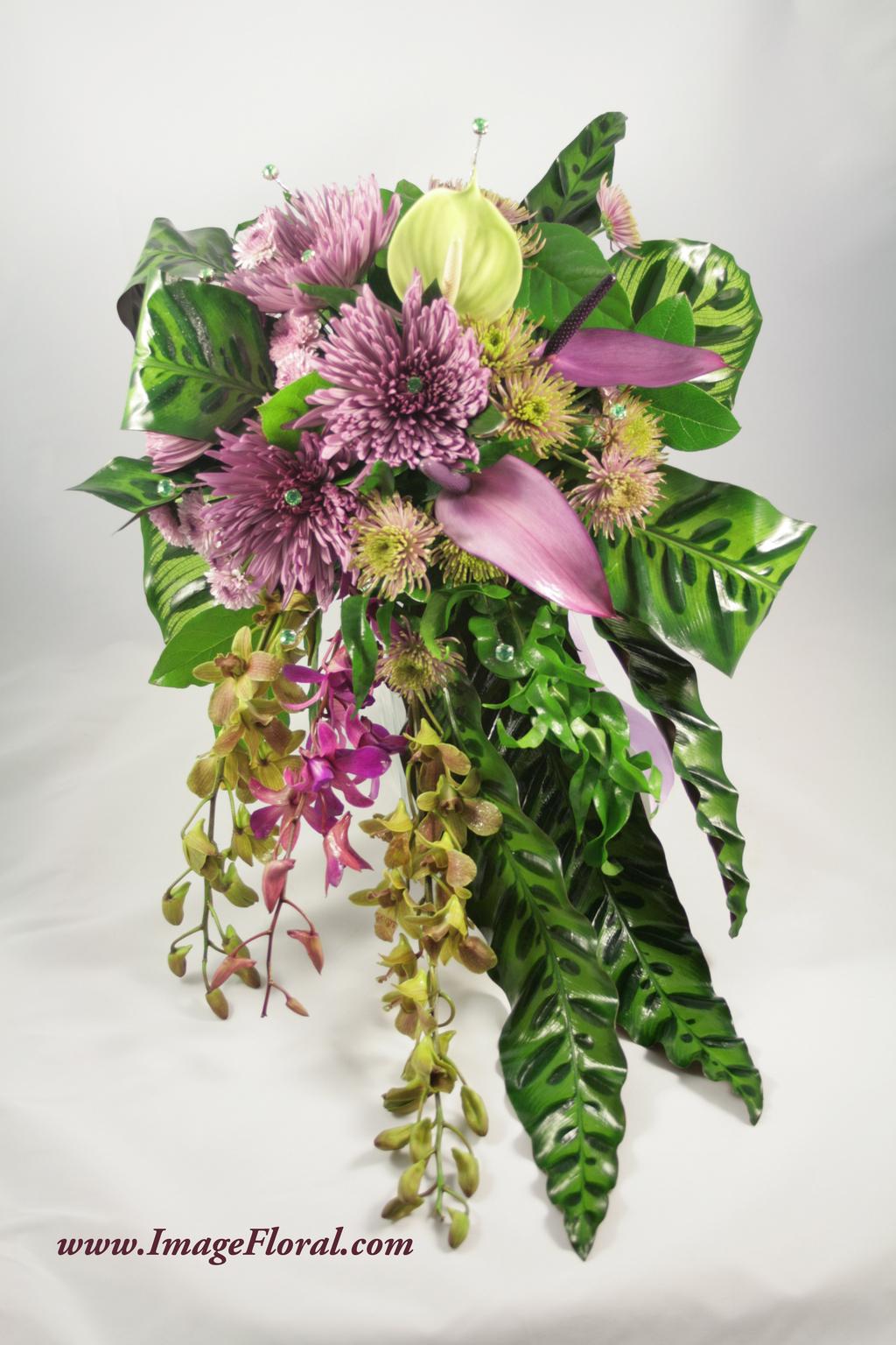 Purple%20mum%20orchids%20tropical%20bouquet.full
