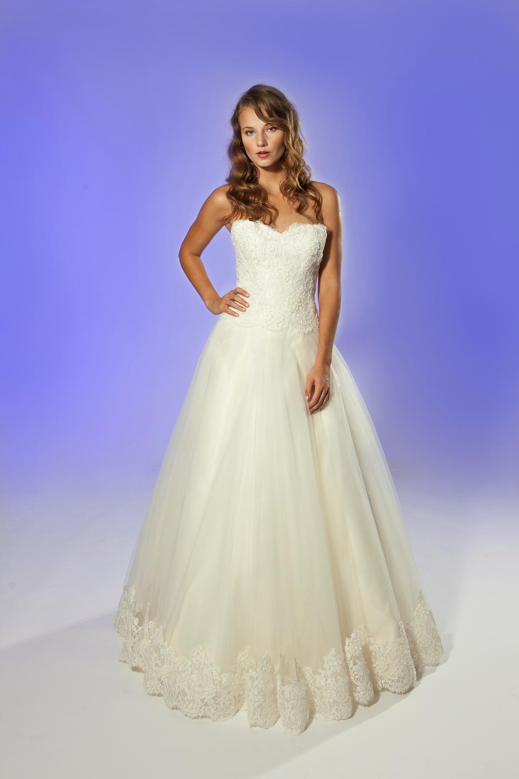 2013-wedding-dress-designer-junko-yoshioka-amour-1.full