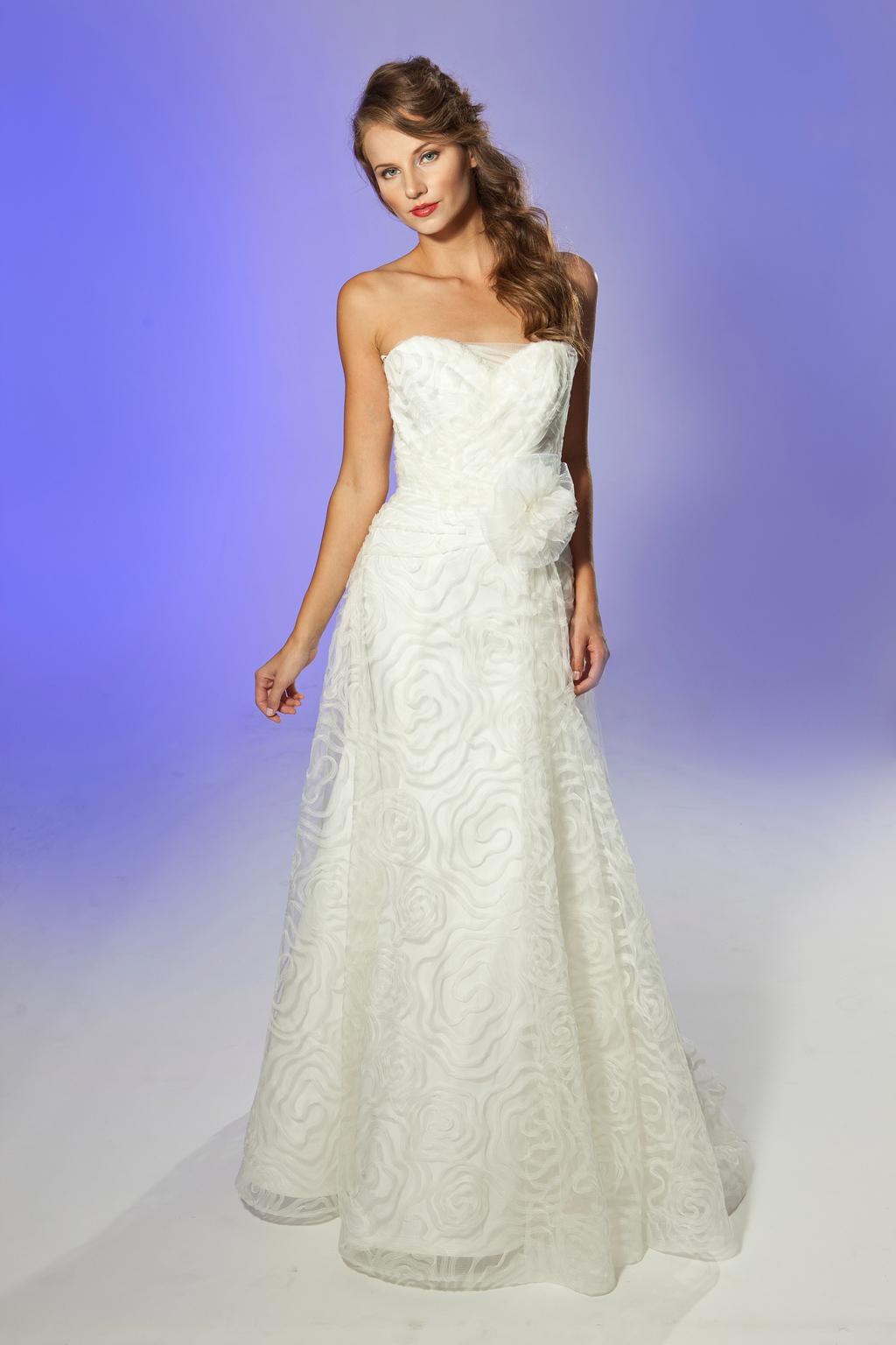 2013-wedding-dress-designer-junko-yoshioka-chablis-1.full