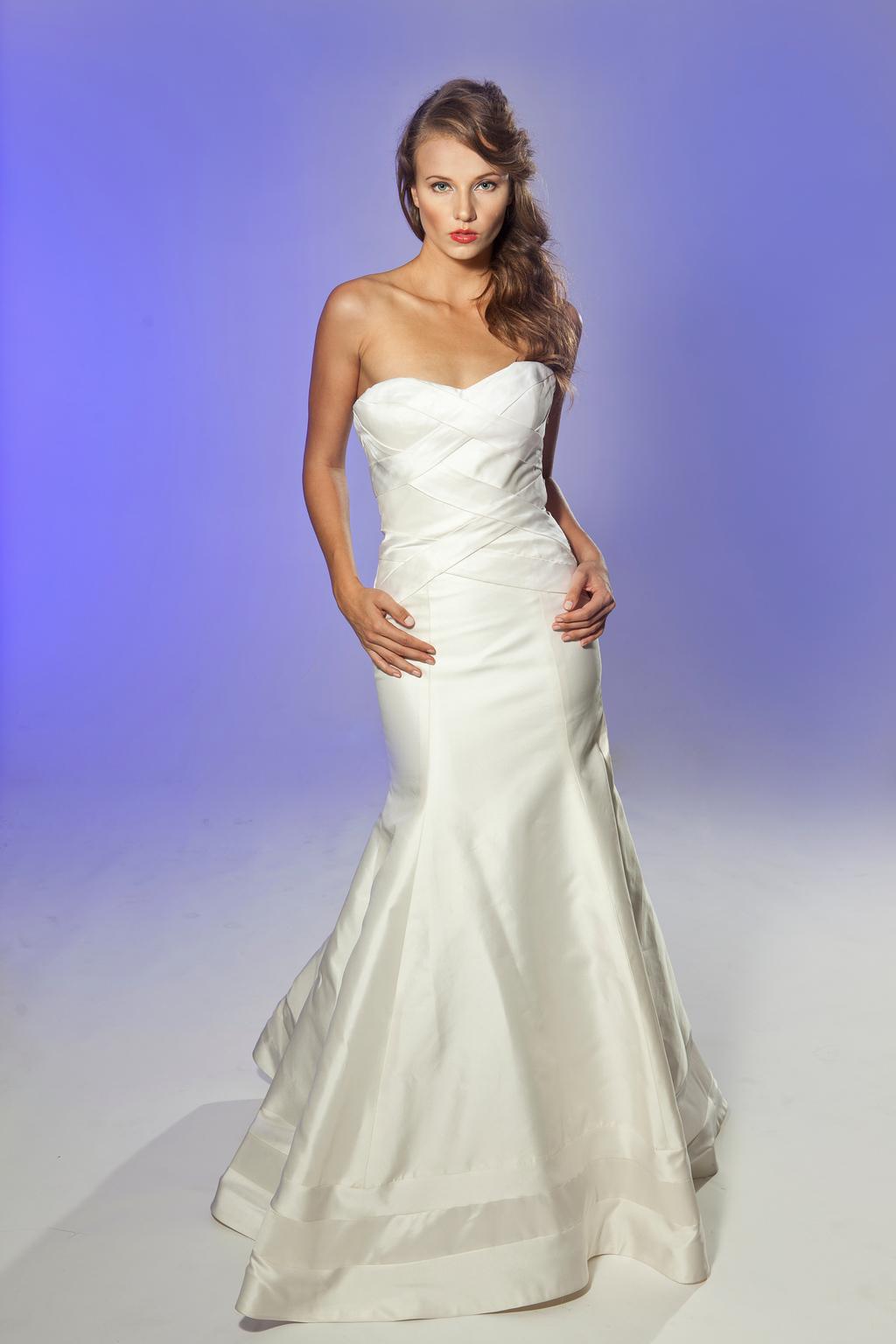2013-wedding-dress-designer-junko-yoshioka-chardonnay-1.full