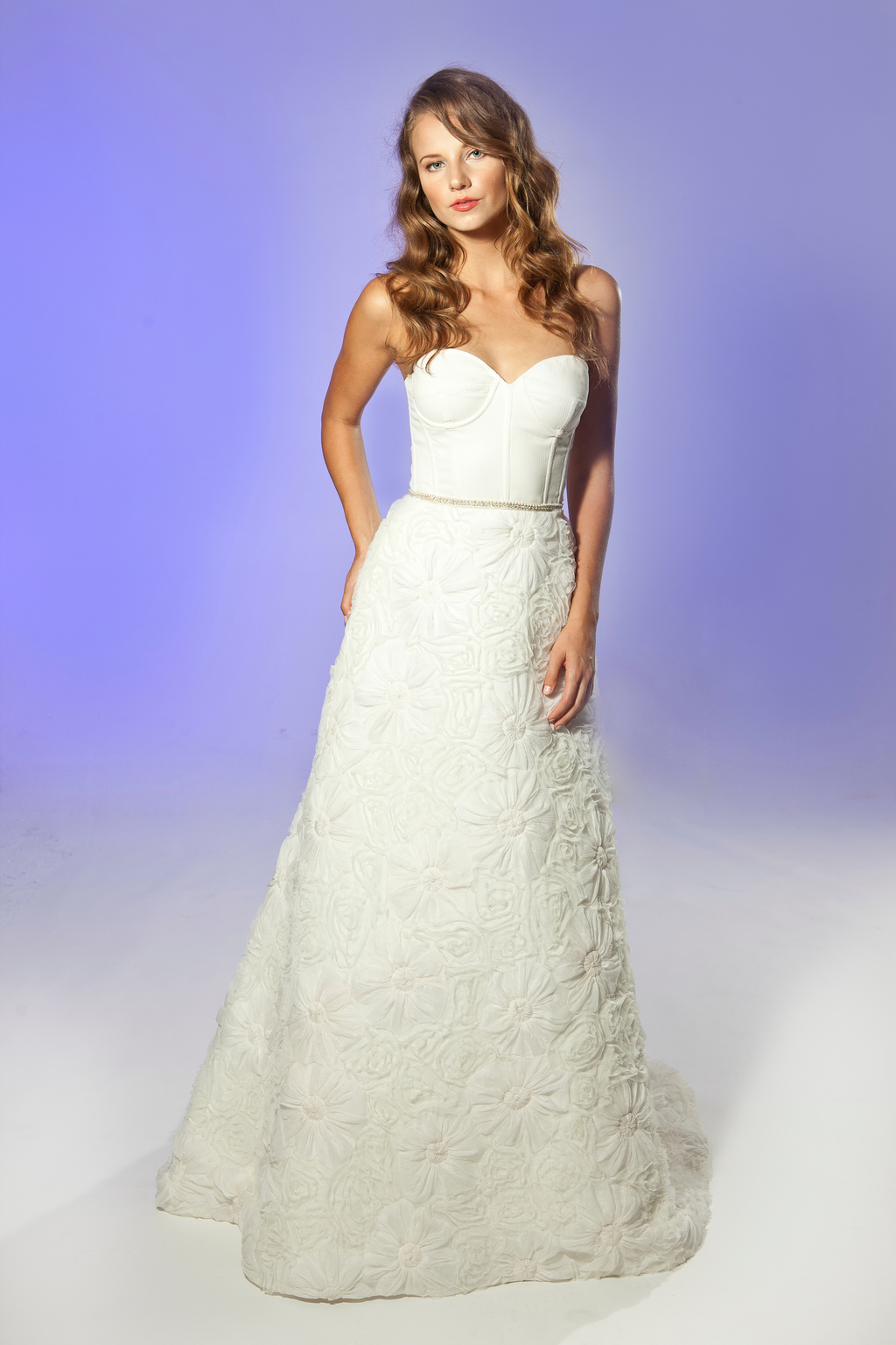 2013-wedding-dress-designer-junko-yoshioka-chateau-1.full