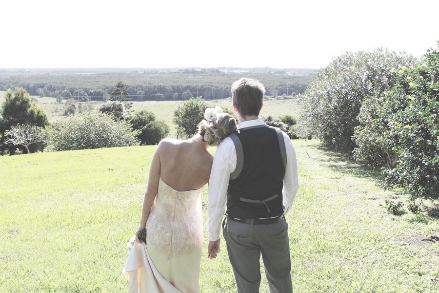 Outdoor-romantic-wedding-bohemian-bride-1.full