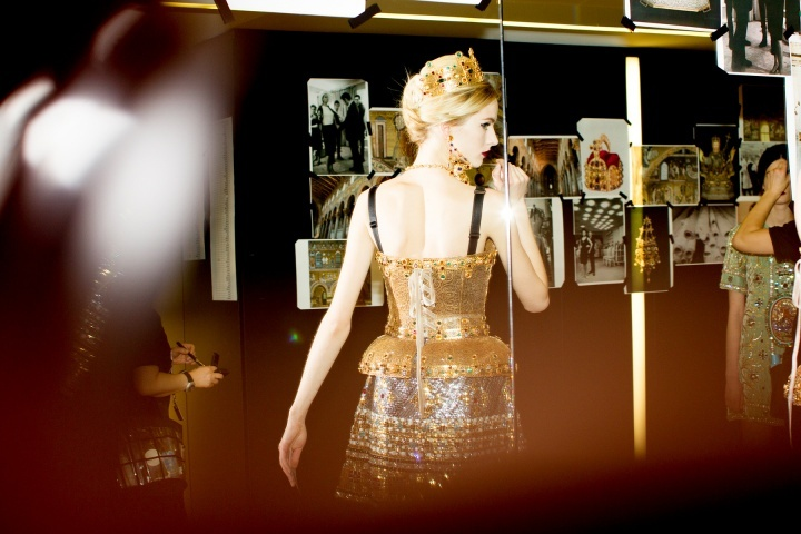 Dolce-and-gabbana-rtw-fw2013-candids-02_172006962988.jpg_carousel_parties.full
