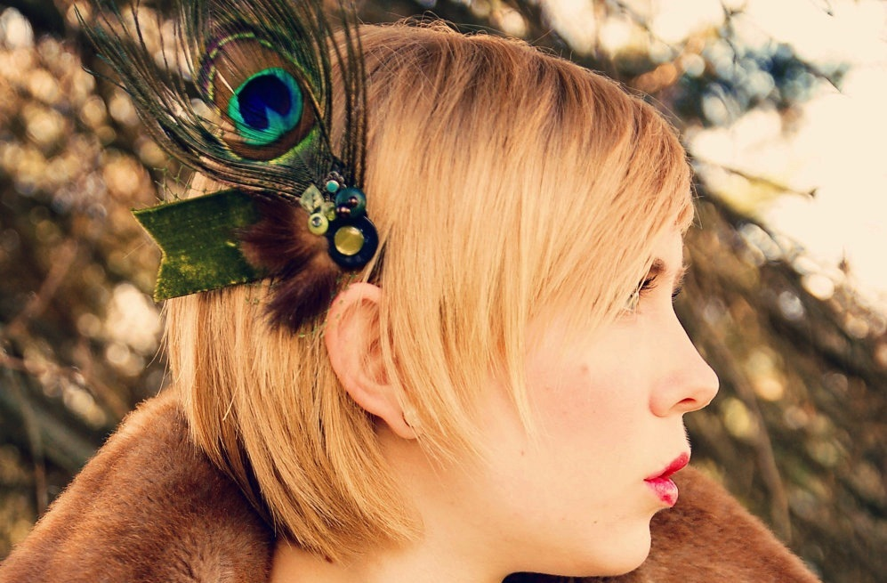 Peacock-feather-wedding-hair-fascinator.full