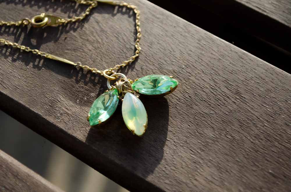 Vintage-mint-green-and-gold-wedding-necklace.full