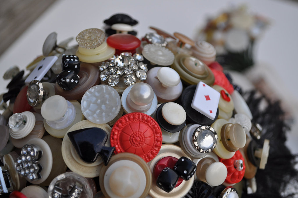 Poker-themed-wedding-bouquet-of-buttons.full
