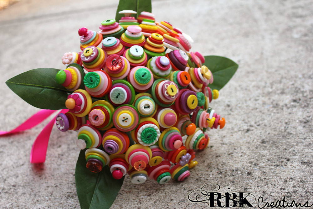 Bright-alternative-wedding-bouquet-buttons.full