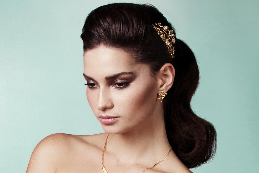 Elegant-gold-wedding-hair-comb.full