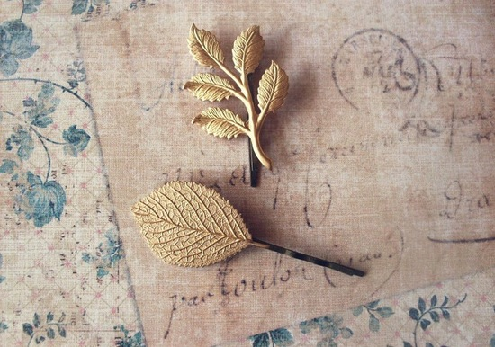 Elegant gold leaf wedding hair pins
