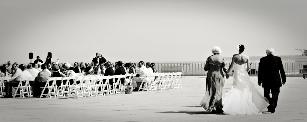 Milwaukee-wedding-outdoor-venue-ceremony-moment.full