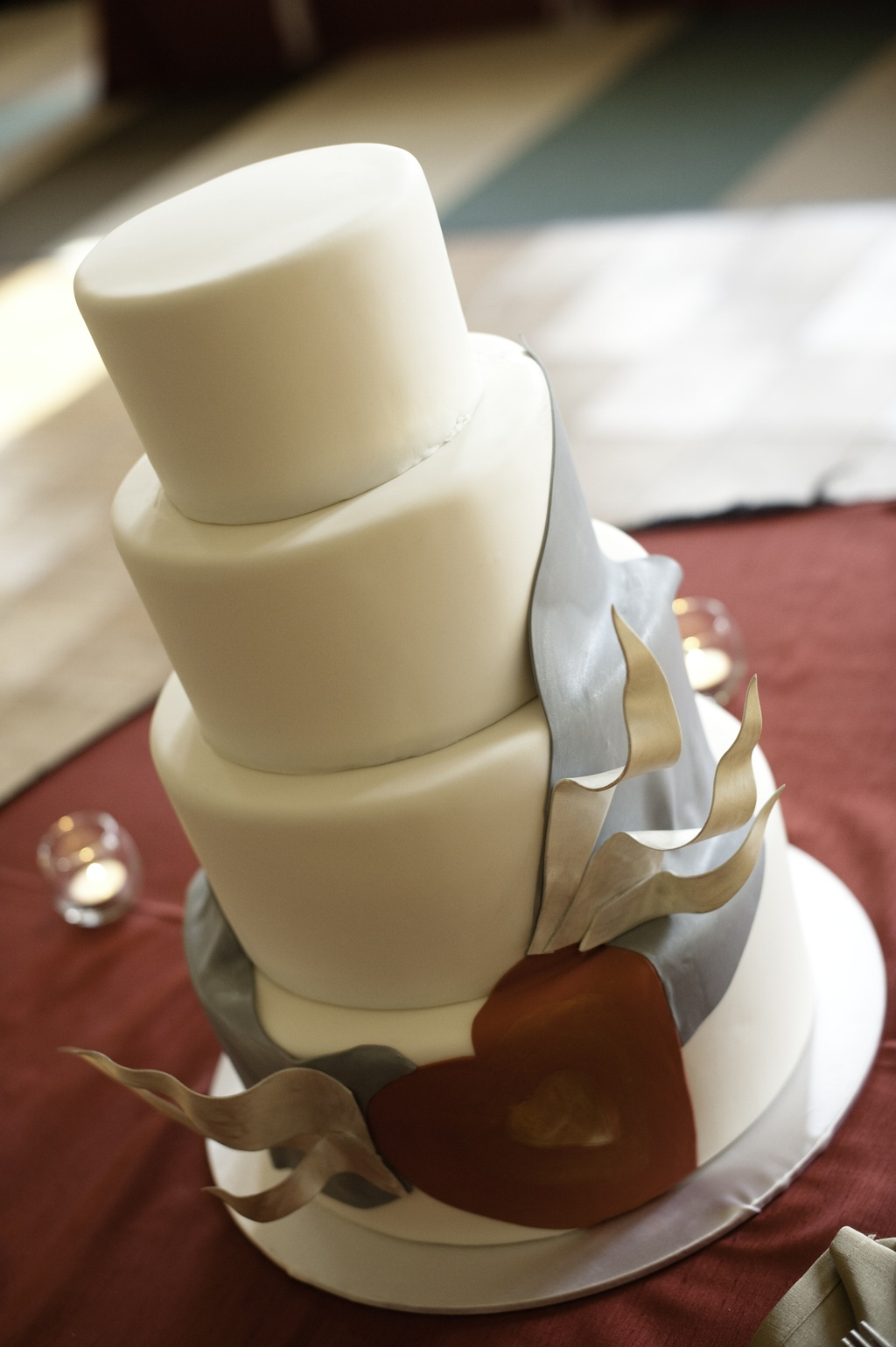 Modern-romantic-wedding-cake-four-tier.full