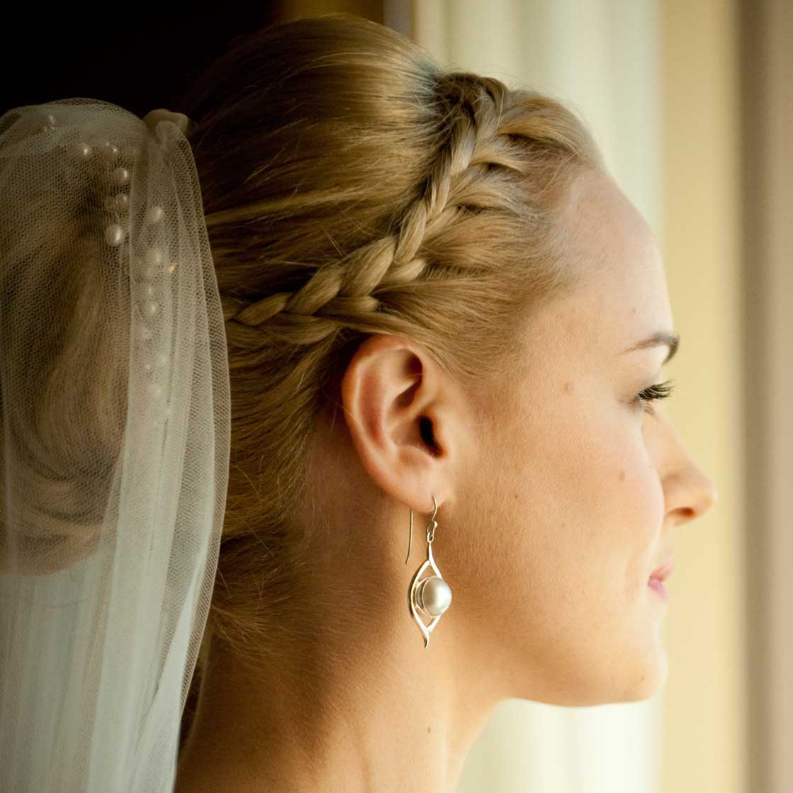 Wedding Hair French Braid: Classic Bridal Updo With French Braid In Front