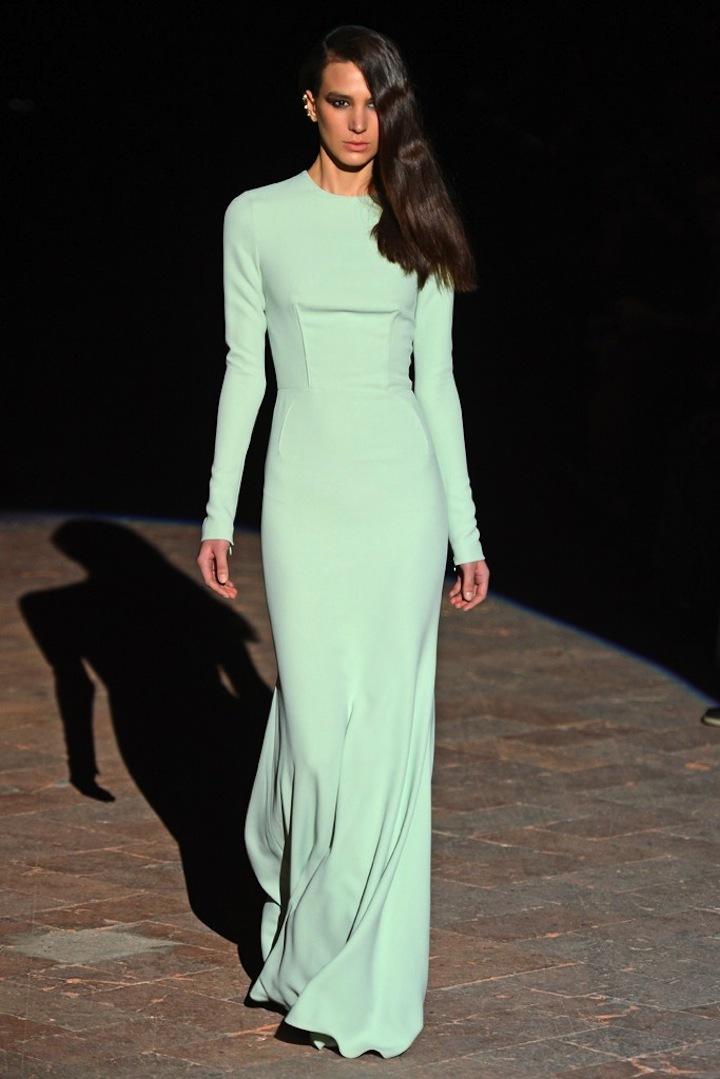 Sleek-modern-wedding-style-body-con-gowns.full