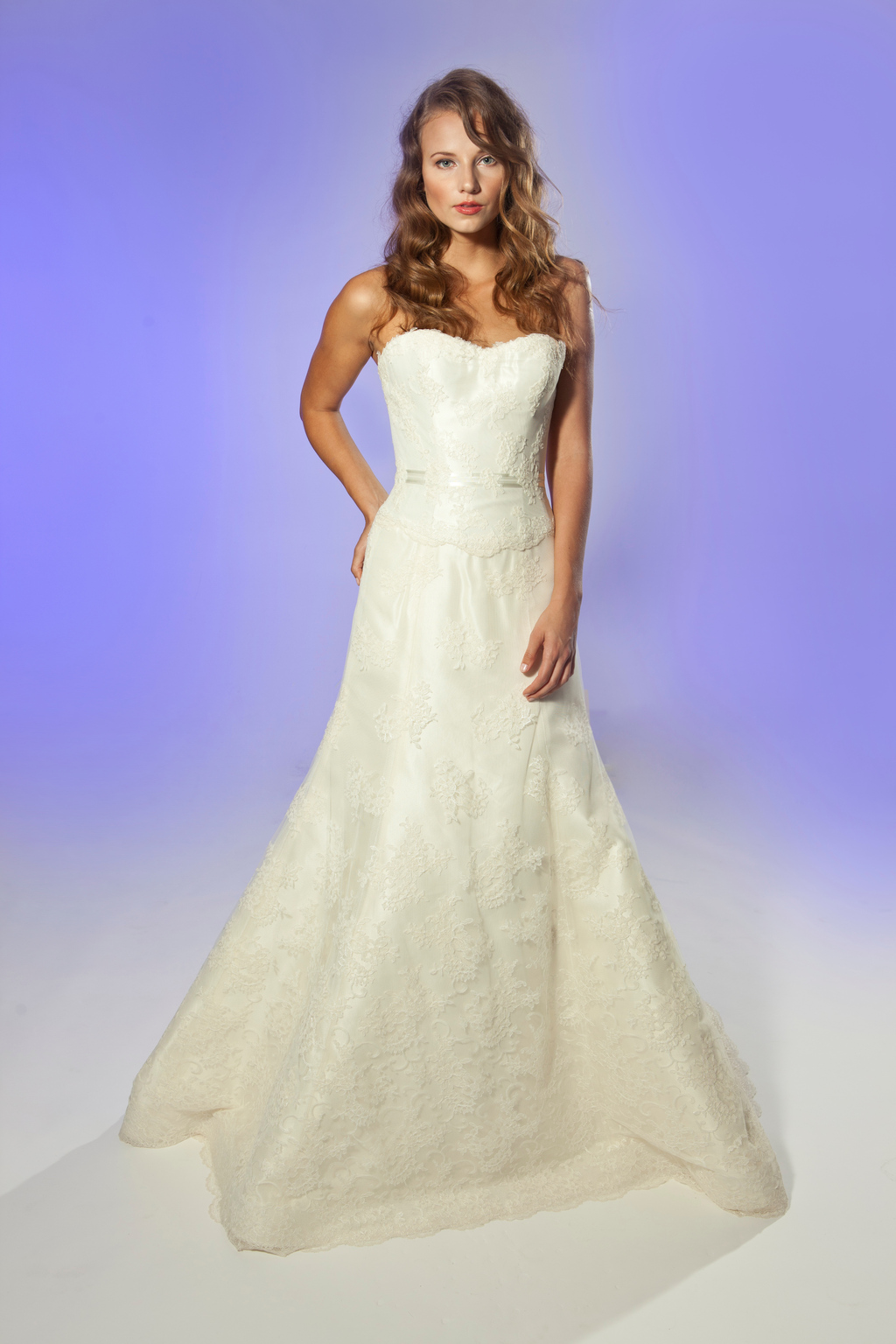 2013-wedding-dress-designer-junko-yoshioka-fleur-1.full