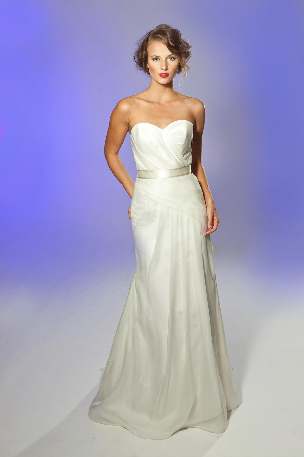 2013-wedding-dress-designer-junko-yoshioka-pastis-1.full