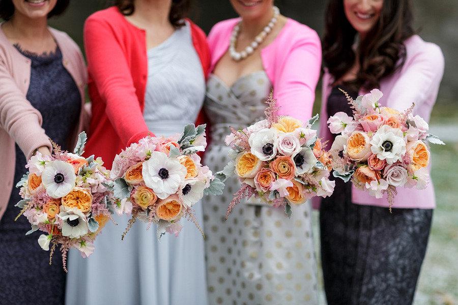 Unique-mix-and-match-bridesmaids-show-off-gorgeous-bouquets.full