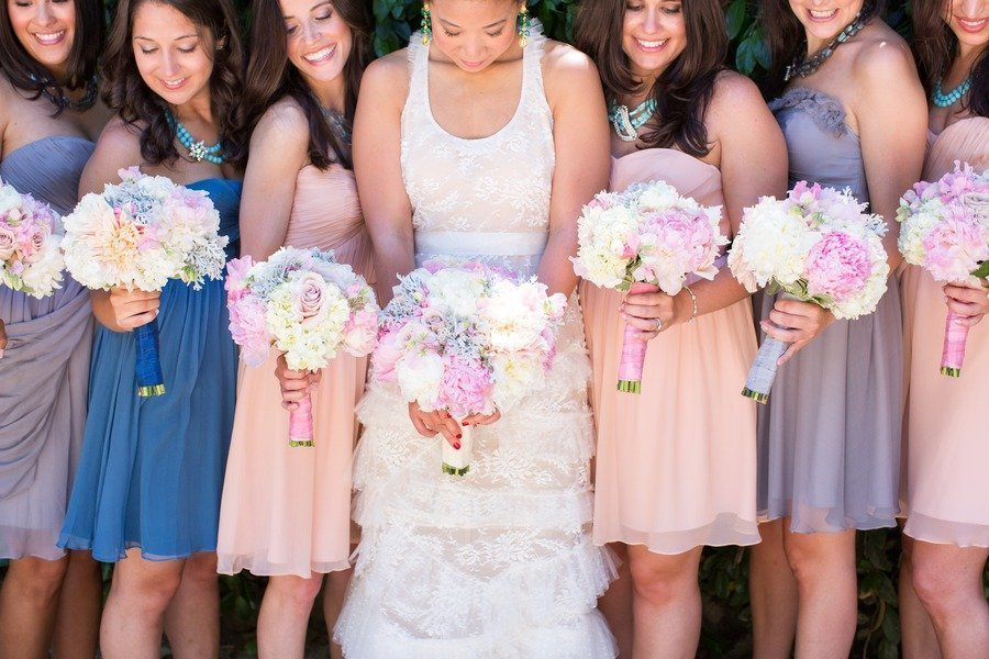 Romantic-bride-with-bridesmaids-in-shades-of-blush-lilac-blue.full