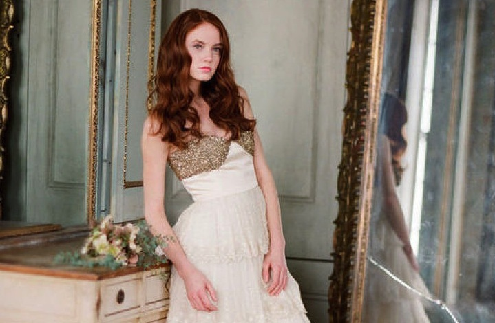 All-down-wedding-hairstyle-loose-waves-side-part.full