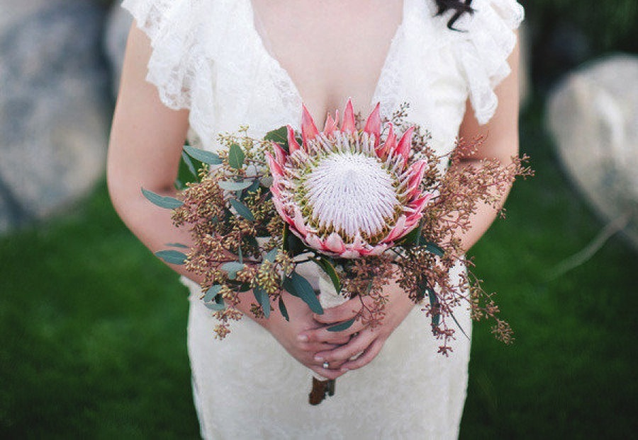 Romantic wedding bouquet perfect for Spring 2