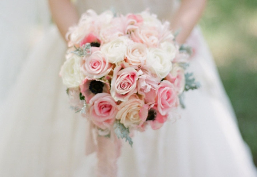 Romantic-ivory-soft-pink-wedding-bouquet.full