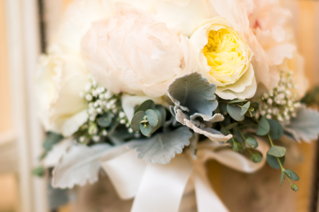 Bridal-bouquet-inspired-by-anna-karenina.full