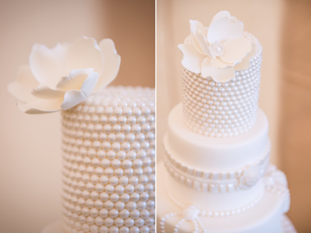 elegant all white wedding cakes all white wedding cake 13954