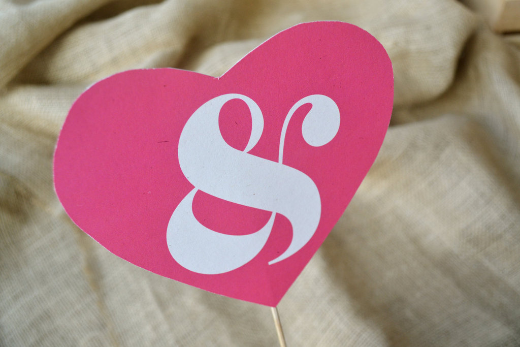 Pink-heart-wedding-sign-with-ampersan.full