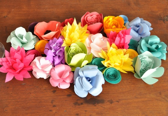 Paper flowers wedding table decor
