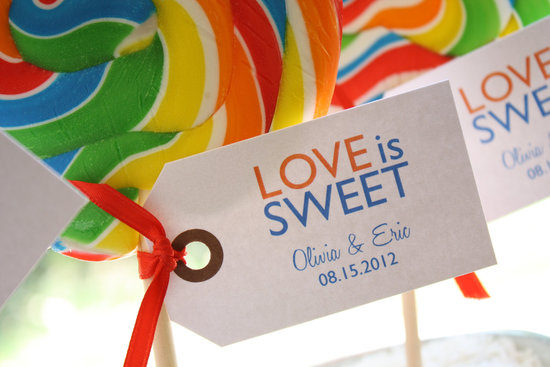 Lollipop wedding favors with custom tags