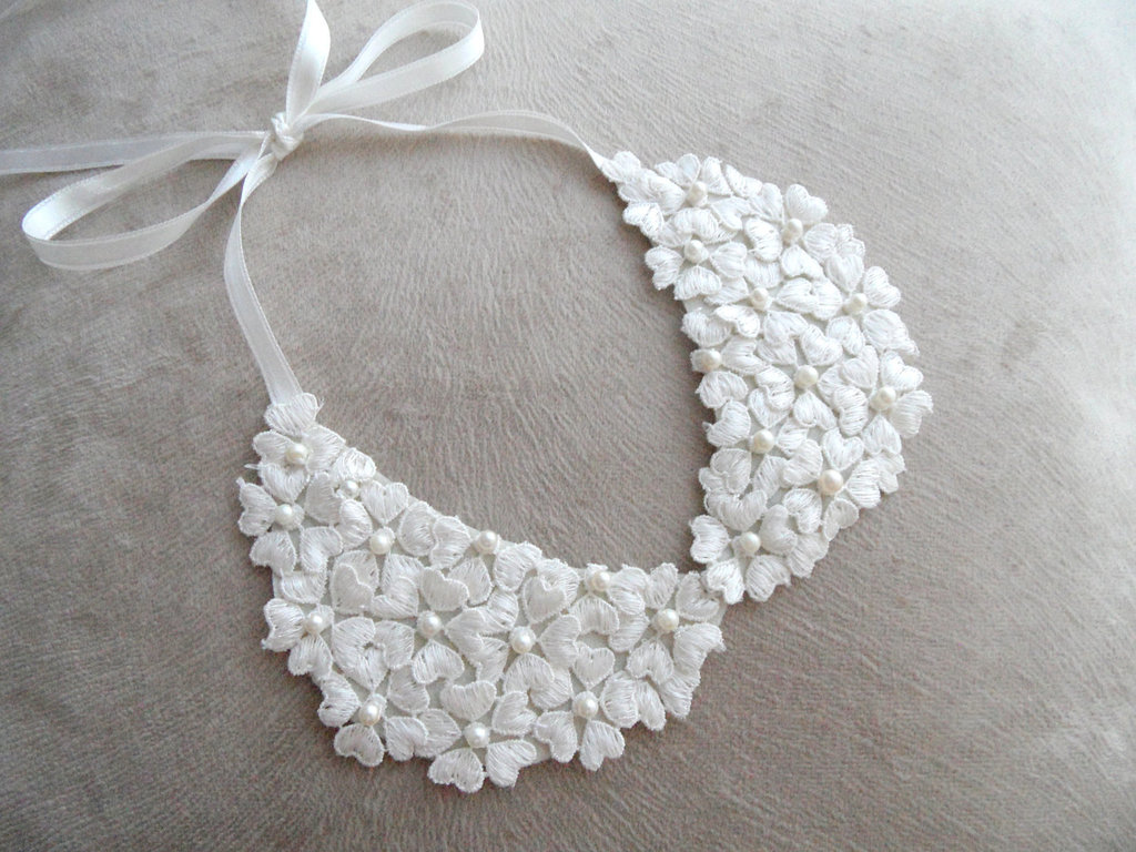 White-lace-floral-wedding-necklace.full