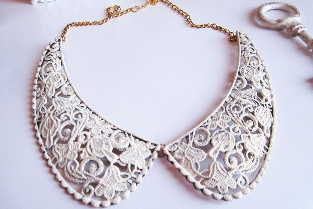 Lace filigree statement wedding necklace