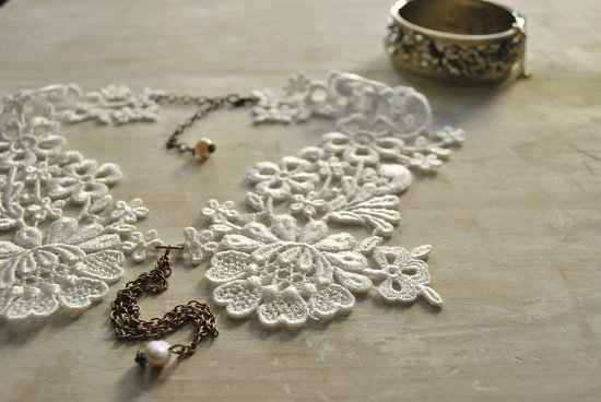 Lace collar bridal necklace