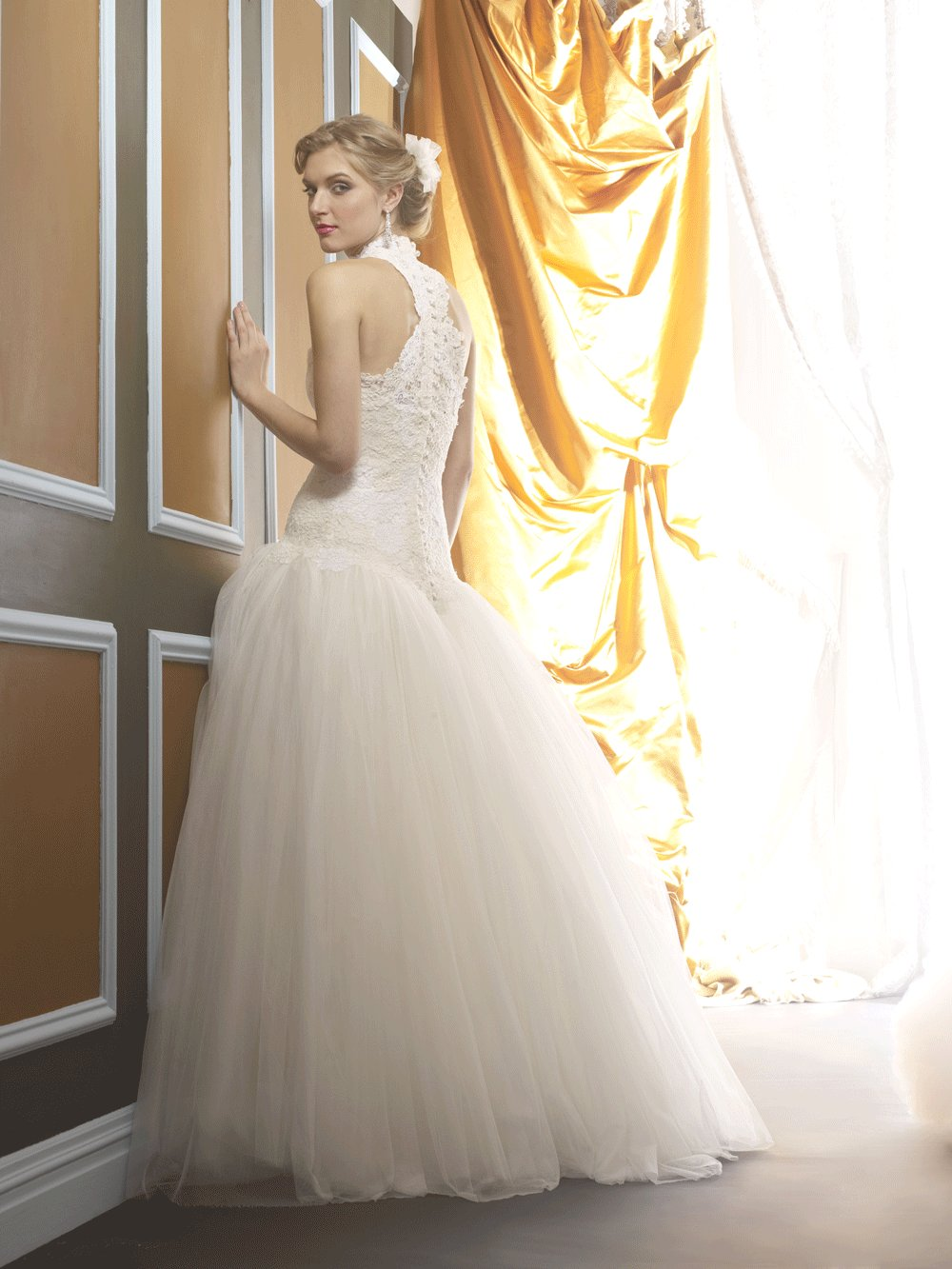 Wedding-dress-by-birnbaum-and-bullock-2013-bridal-april.full