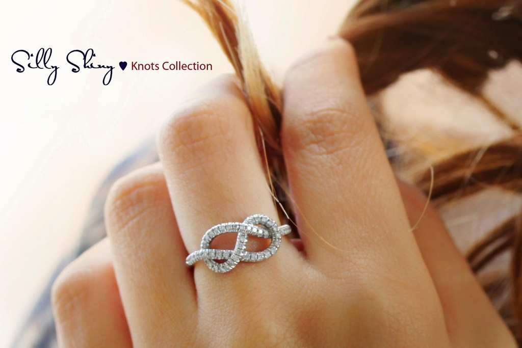 Diamond-wedding-band-with-infinity-heart.full