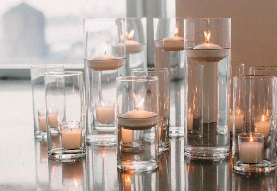 Modern-minimalist-wedding-decor-hurricane-candles.full