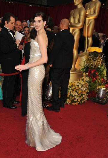 Ann Hathaway at the 2009 Academy Awards