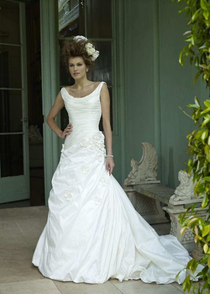 2013-wedding-dress-ian-stuart-bridal-monet.full