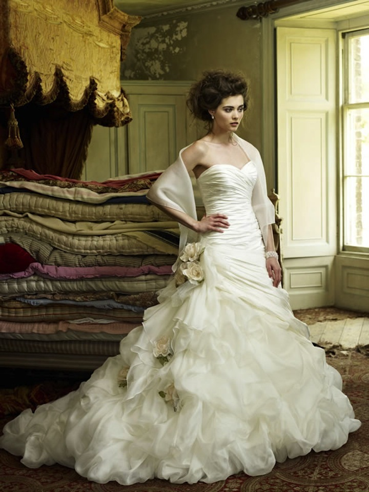 2013-wedding-dress-ian-stuart-bridal-constantine.full