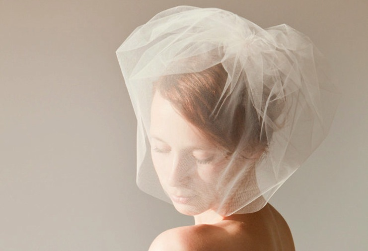 Double layer wedding veil blusher